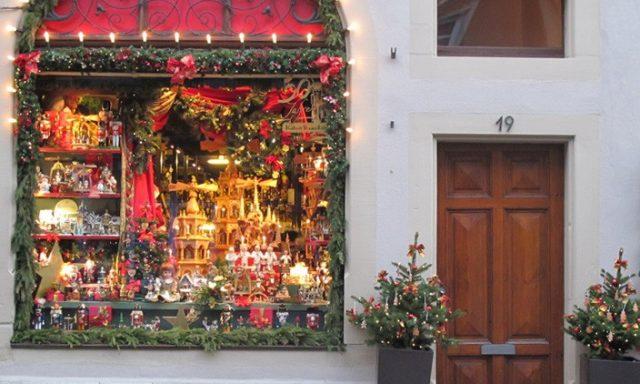 """""""Kleiner Weihnachtsladen"""" by Käthe Wohlfahrt KG"""